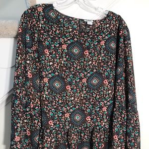 Boho peasant top with ruffle sleeves & hem